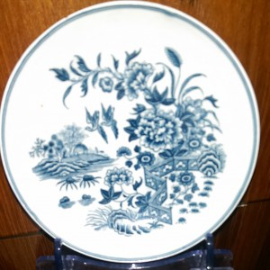 Pre-willow pattern Caughley plate, late 18th century